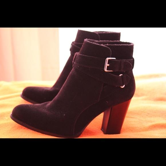 JustFab Shoes - Black booties